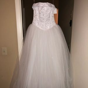 Size 4, Michelangelo wedding dress